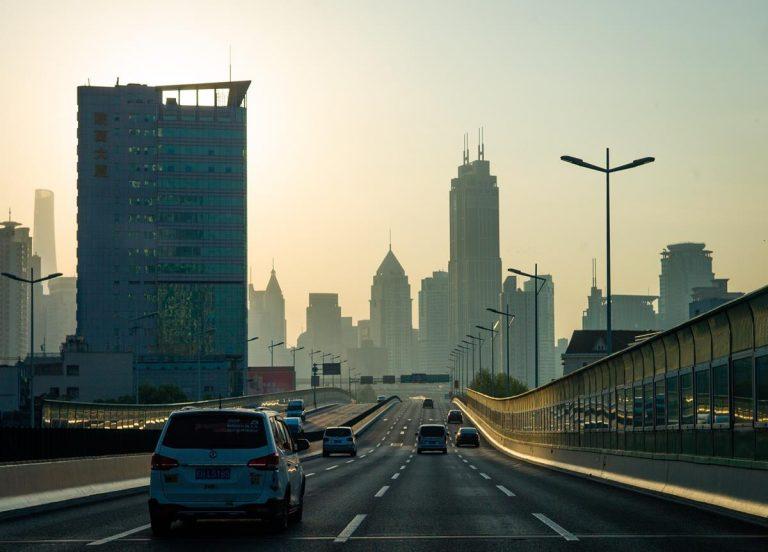 Wybór odpowiedniej firmy oferującej pomoc drogową