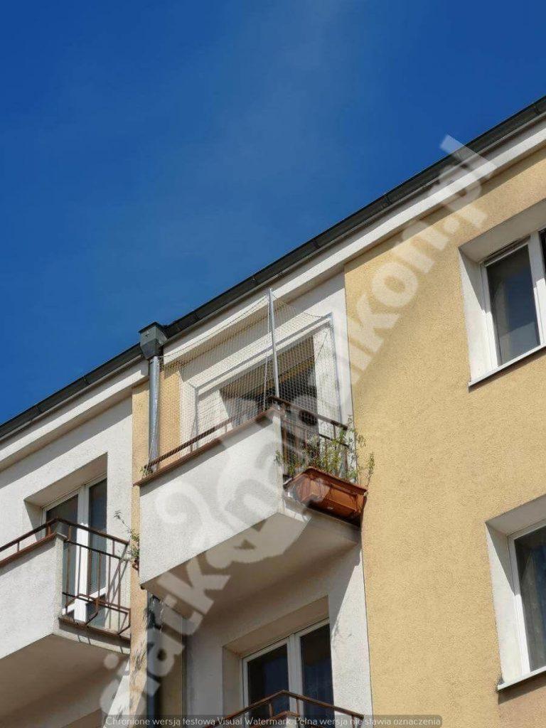 Profesjonalna siatka na balkon – jak założyć?
